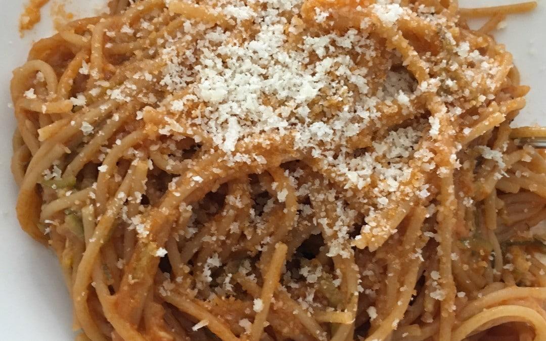 Spaghetti integrali al sugo di zucchine con il Companion