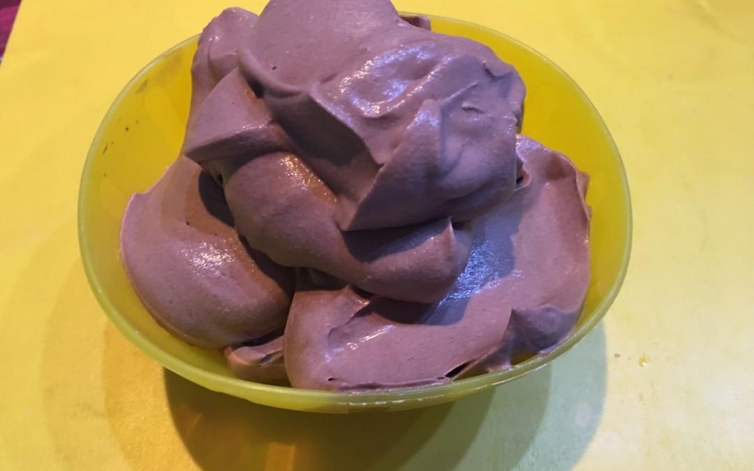 Mousse veloce al cacao, senza uova (farcitura per pandoro o tiramisù)