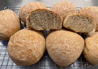 Panini con pasta madre e farina di tipo 2