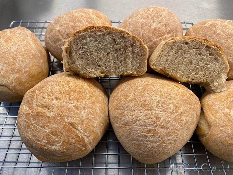Panini con pasta madre giovane e farina di tipo 2