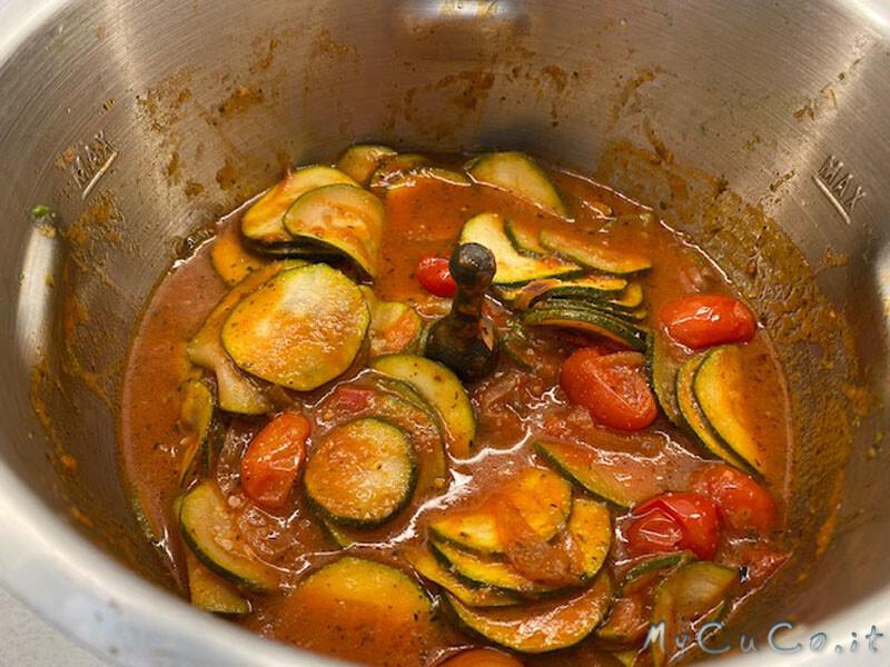 Sugo zucchine e pomodori datterini col Companion Moulinex