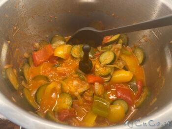 Contorno misto con cipolle di tropea, peperoni, pomodorini e zucchine - MyCuCo.it